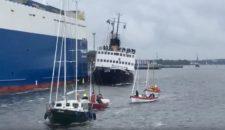 """Video: Unfall – Dampfeisbrecher """"Stettin"""" rammt Finnlines Fähre """"Finnsky"""" bei Hanse Sail 2017"""