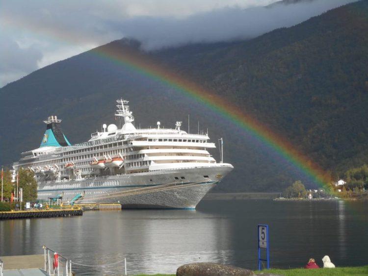 Gaby und Peter auf Norwegen-Kreuzfahrt mit der MS Artania