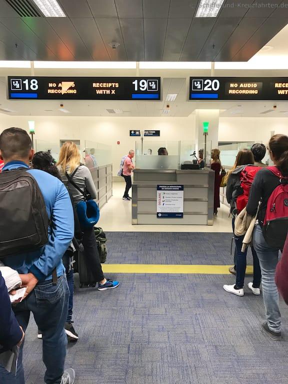 Passkontrolle-X-Miami