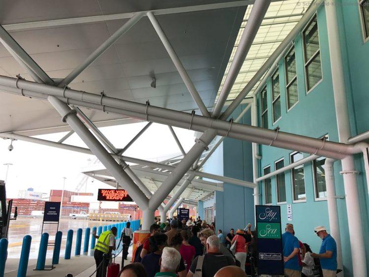 Cruise Terminal um 09:20 Uhr in Fort Lauderdale