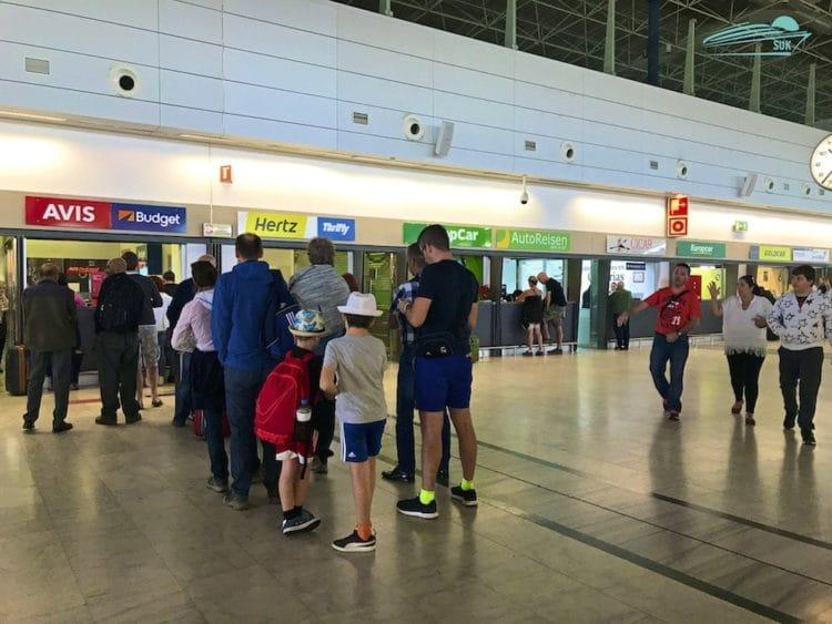 Avis Autovermietung am Flughafen Fuerteventura