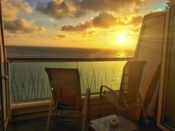 Sonnenaufgang auf See