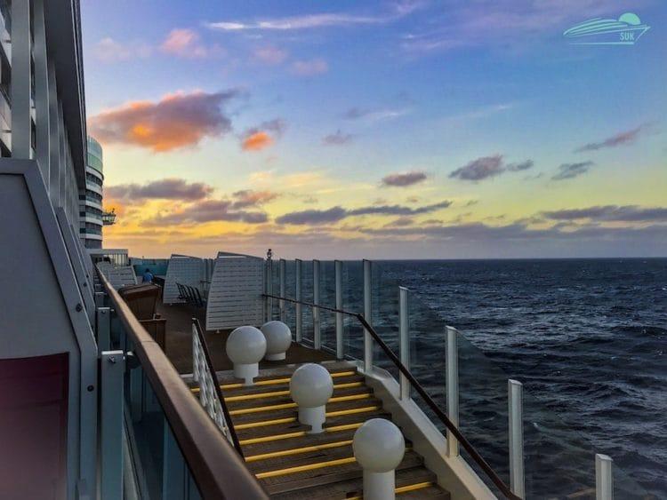 Sonnenaufgang auf hoher See