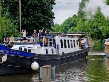 Harry Poter Kreuzfahrten auf der Magna Carta / © European Waterways