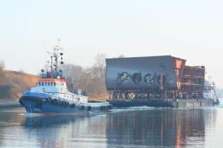 Bilder: AIDAnova Bugstrahlruder auf dem Weg nach Papenburg