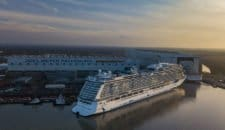 Norwegian Bliss Ausdocken: Bilder, Videos, Droneshots – Luftbilder
