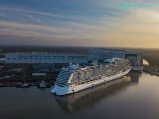 Norwegian Bliss Ausdocken: Bilder, Videos, Droneshots - Luftbilder
