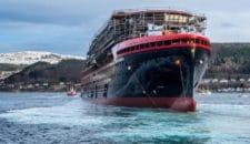 Bilder: Roald Amundsen wurde zu Wasser gelassen: Stapellauf auf der Kleven Werft
