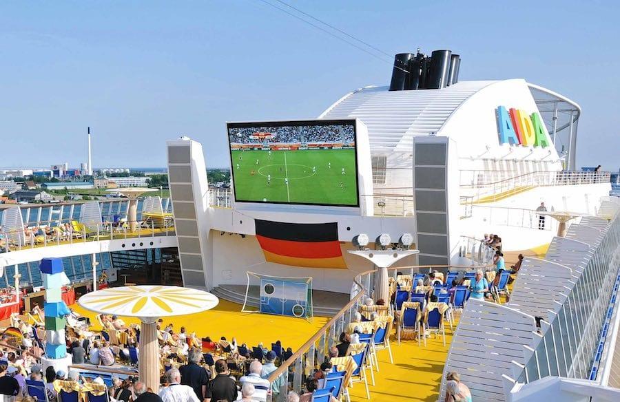 AIDA Kreuzfahrten: Fussball WM 2018 an Bord der Kussmundschiffe / © AIDA Cruises