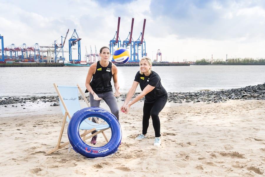 Kira Walkenhorst und Laura Ludwig taufen die neue Mein Schiff 1 in Hamburg / © TUI Cruises