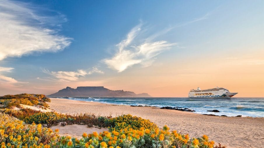 AIDAmira in Afrika / © AIDA Cruises