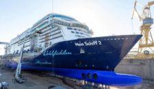 Aufschwimmen der neuen Mein Schiff 2 bei Meyer Turku