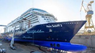 Die neue Mein Schiff 2 im Trockendock der Meyer Turku Werft / © TUI Cruises