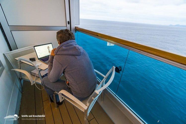 Pascal in seinem mobilen Büro