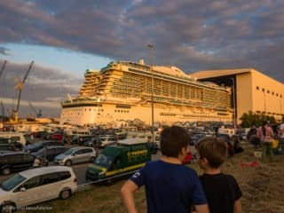 AIDAnova: Ausdocken auf der Meyer Werft - Ein neues Schiff hat das Licht der Welt erblickt