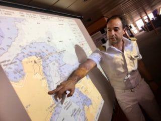 Kapitän Omar Caruana / © TUI Cruises