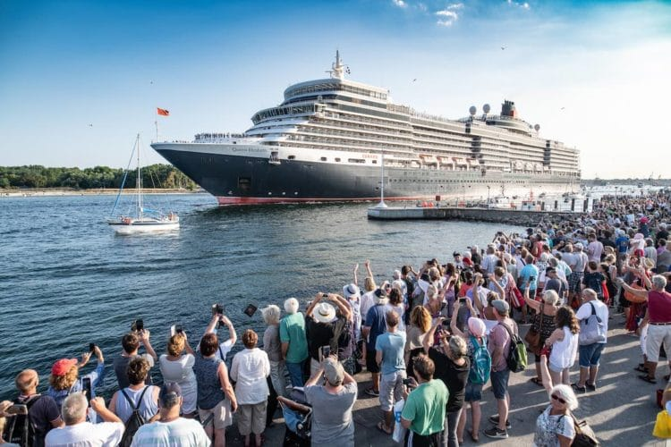 The Queens Day in Travemünde mit der Queen Elizabeth / © Cunard Line