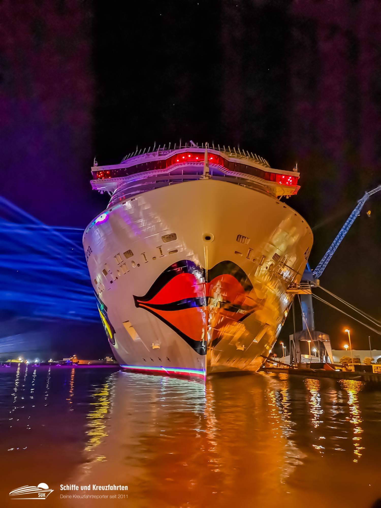 Happy Birthday Aidanova Das Erste Lng Schiff Feiert