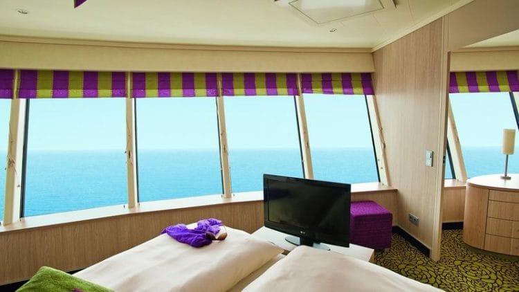 Panorama-Deluxe-Suite mit privatem Sonnendeck der AIDAsol / ©AIDA Cruises