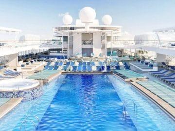 Pooldeck der Mein Schiff 2 / © TUI Cruises