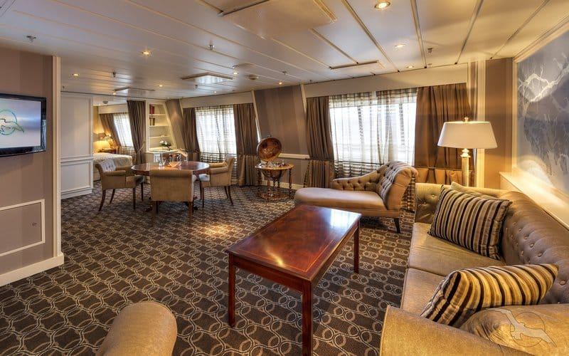 MS Albatros: Captains Suite / © Phoenix Reisen