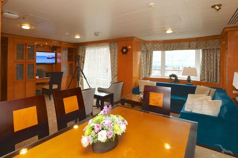 MS Amera: 2-Bett Royal Suite mit Balkon / ©Phoenix Reisen