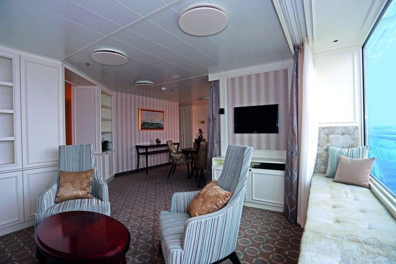 MS Artania: Royal Suite der Kategorie W4 / ©Phoenix Reisen