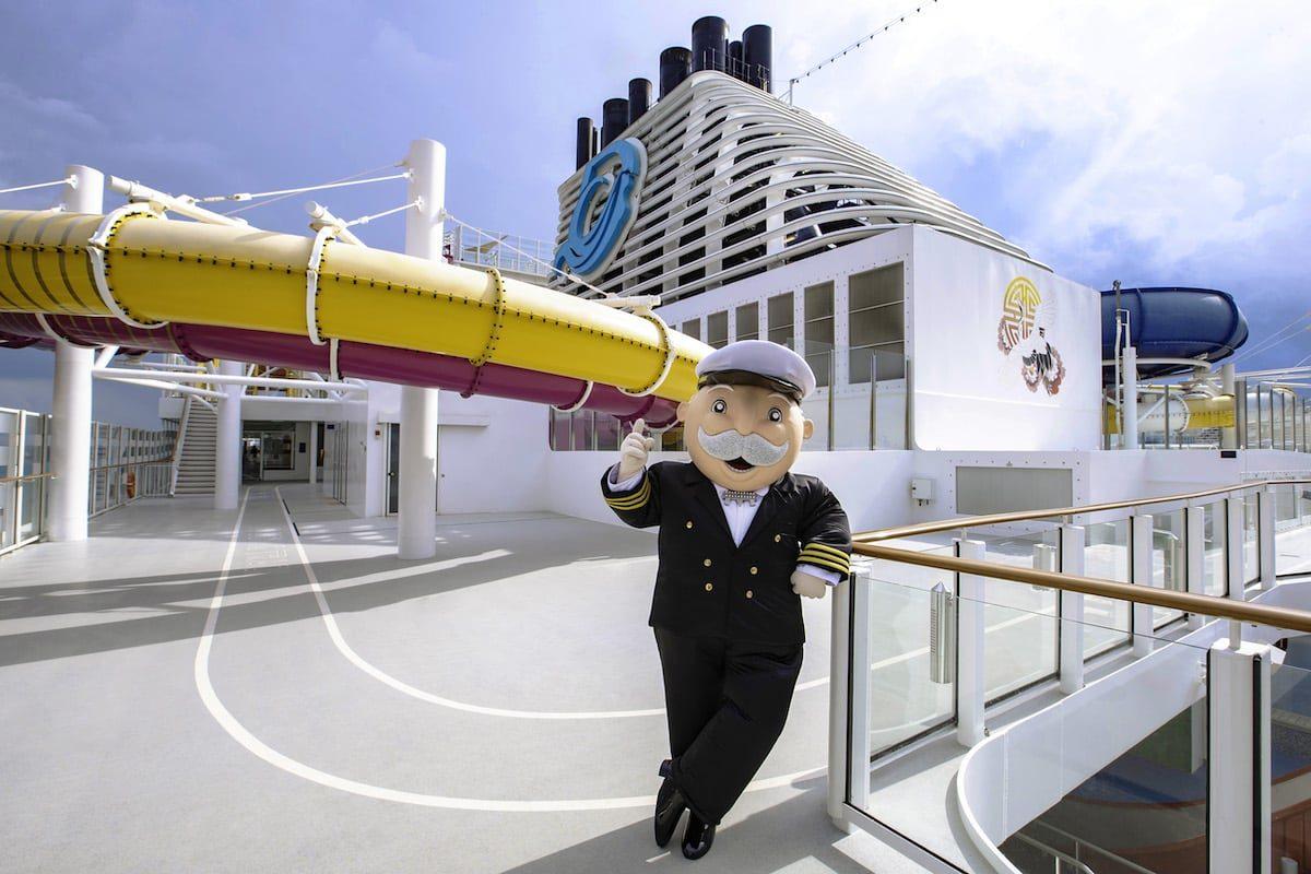 Monopoly in Lebensgröße bei Dream Cruises auf hoher See
