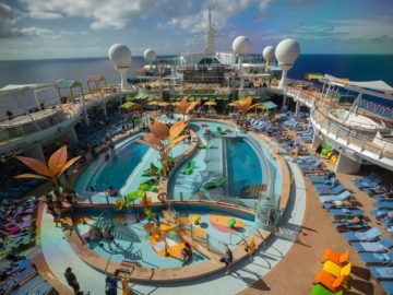 The Pool Deck on the Navigator of the Seas Royal Amplified.