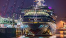 AIDAaura hat heute ihre Weltreise 2018 in Hamburg beendet