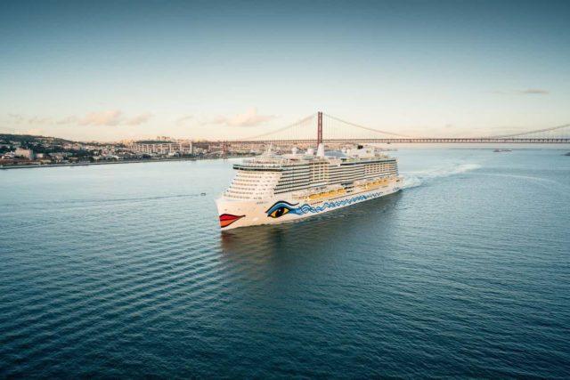 AIDA Cruises: AIDAmira und AIDAnova gemeinsam im Hafen von Teneriffa