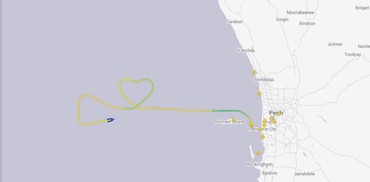 Kreuzfahrtschiff zeichnet Herz in Zeiten der Krise