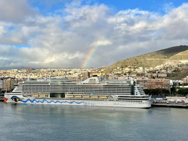 AIDAnova und AIDAperla: Flottentreffen auf Teneriffa