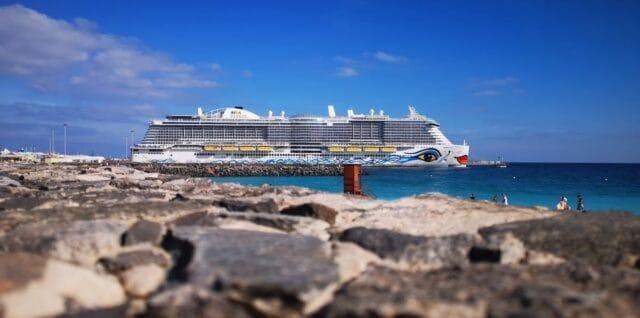 AIDAbella wird Quarantäneschiff   AIDAcosma Emsüberführung  Kreuzfahrt News 10.09.2021 (VIDEO)