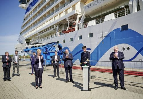 Inbetriebnahme Landstromanschluss am WCC8 zur Nationalen Maritimen Konferenz am 10.5.21 Foto: rostock port/ nordlicht