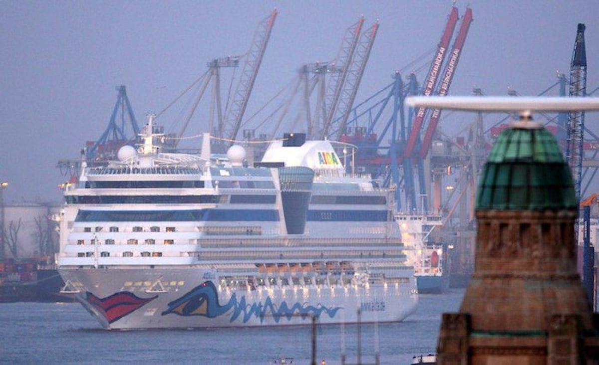 AIDAluna läuft in Hamburg ein / © AIDA Cruises