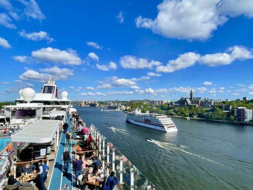 © Schiffe und Kreuzfahrten