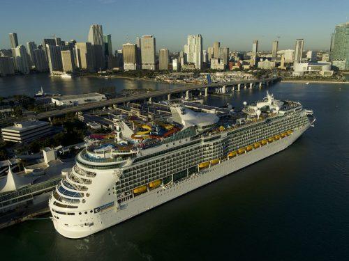 Navigator of the Seas_(c) Press Center Royal Caribbean International