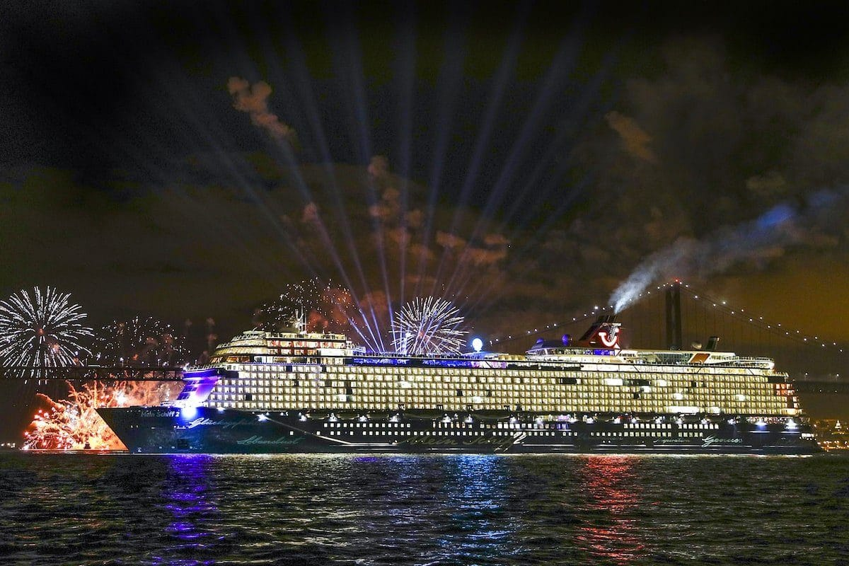 Neue Mein Schiff 2 Taufe in Lissabon / © TUI Cruises