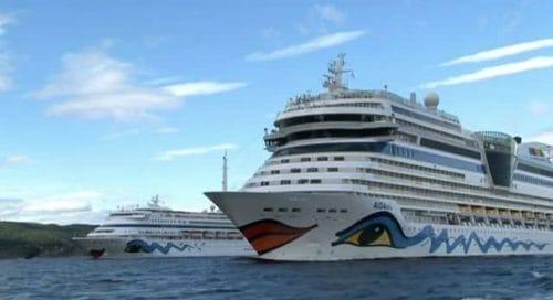 AIDAblu und AIDAcara im Oslofjord / © AIDA Cruises (Screenshot Youtube)