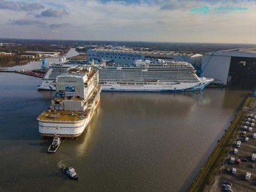 AIDanova Heckteil beim Eindocken auf der Meyer Werft