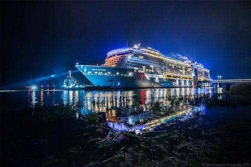 Emsüberführung Ovation of the Seas / Foto © Jens Hagens Fotografie