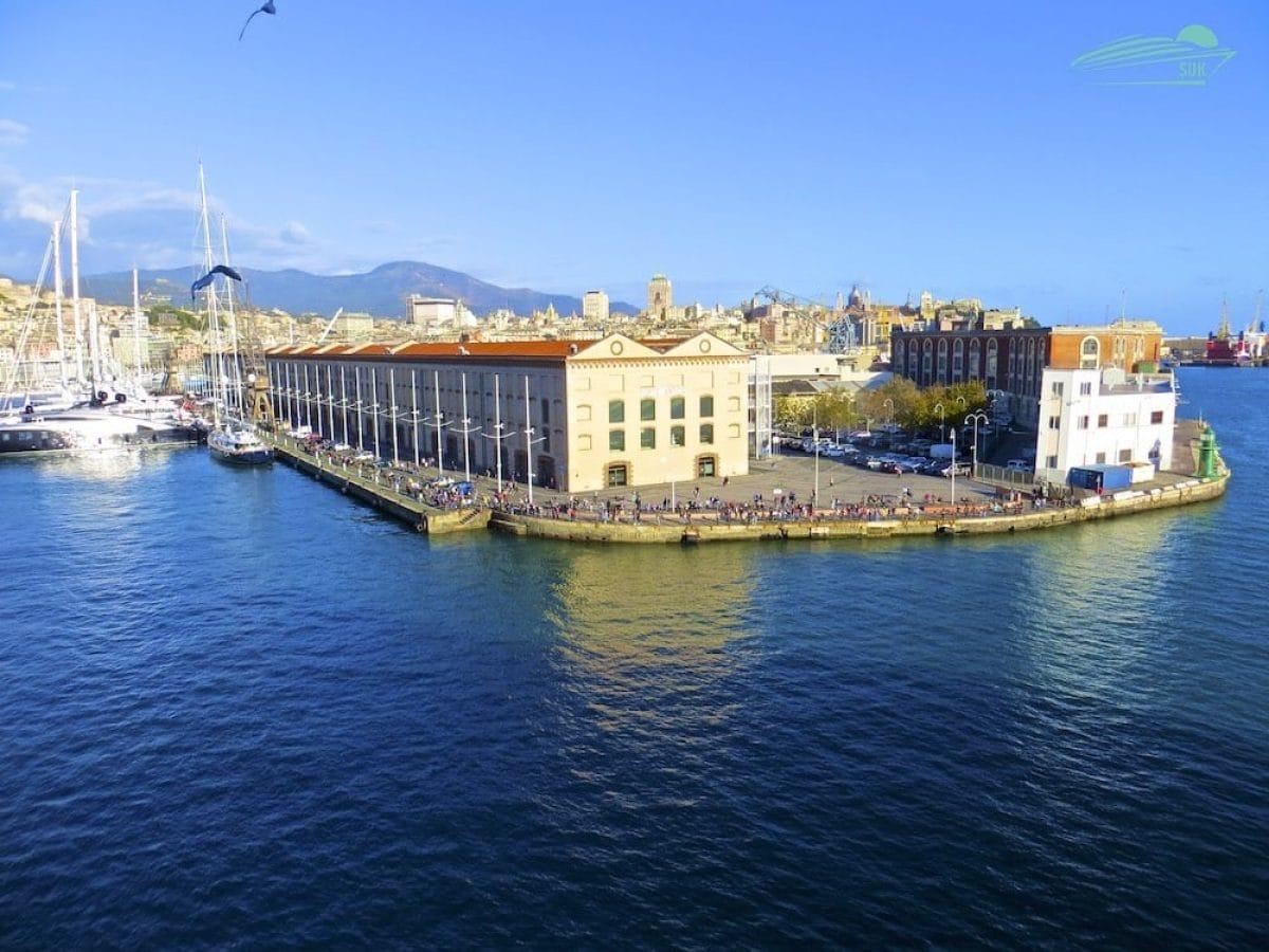 MSC Meraviglia verlässt Genua