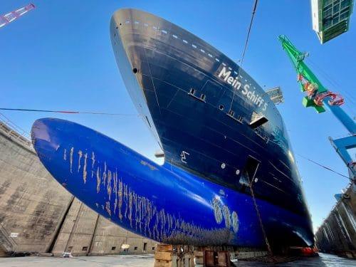 Mein Schiff 5 bei ihrer Klassenerneuerung in Marseille / ©TUI Cruises