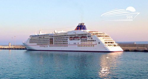Die MS Europa 2 im Hafen von Civitavecchia