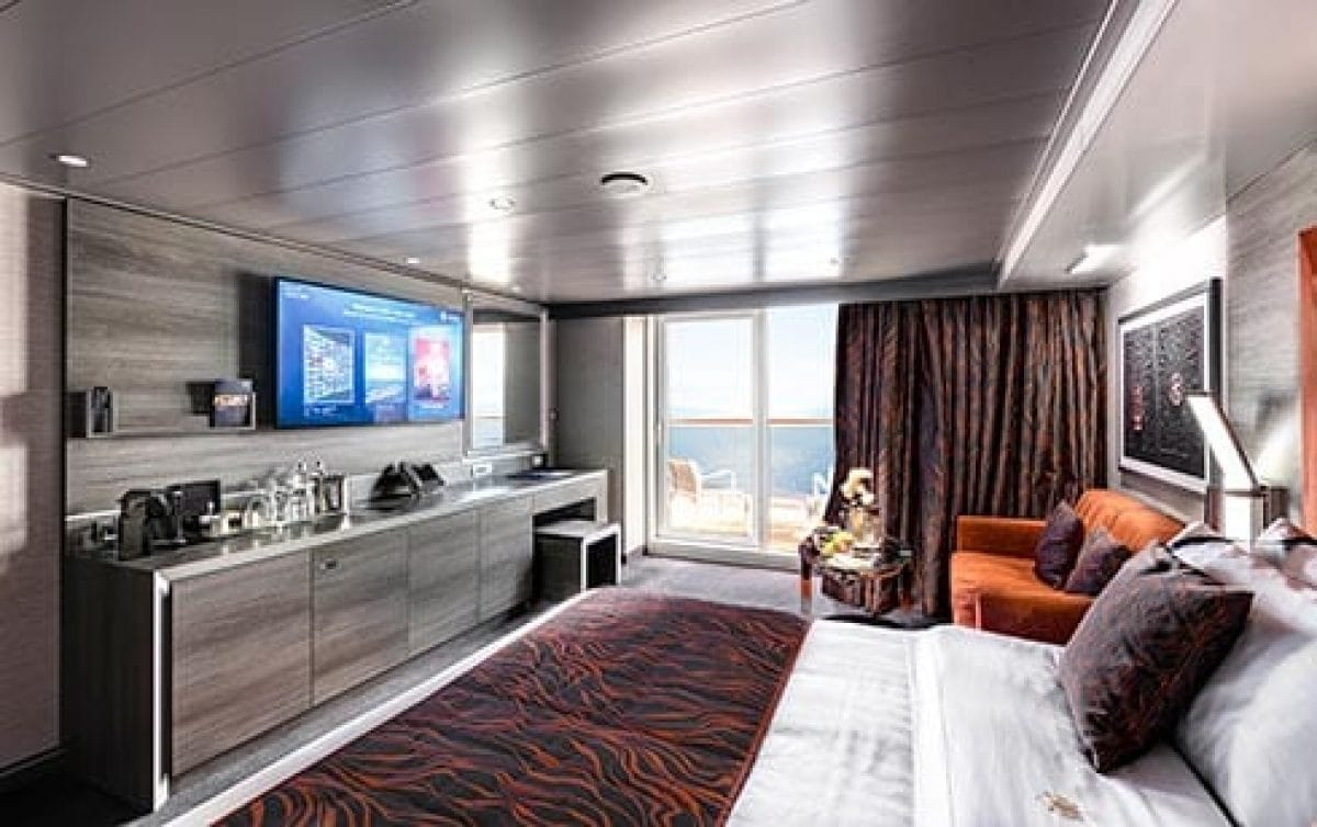 msc-bellissima-yacht-club-deluxe-suite