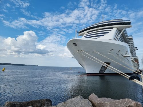 MSC Seaview bei ihrem Erstanlauf in Visby