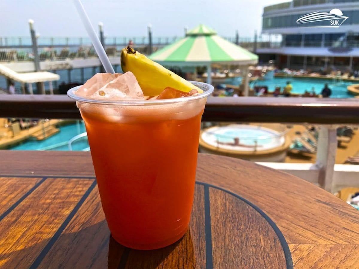 Keine Strohhalm mehr auf Schiffe von TUI Cruises und Royal Caribbean sowie aller Marken wie Azamara, Celebrity und Pullmantur
