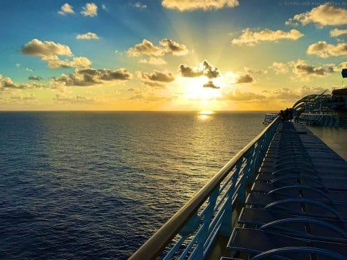 Sonnenuntergang @ Sea mit der Harmony of the Seas in der Karibik
