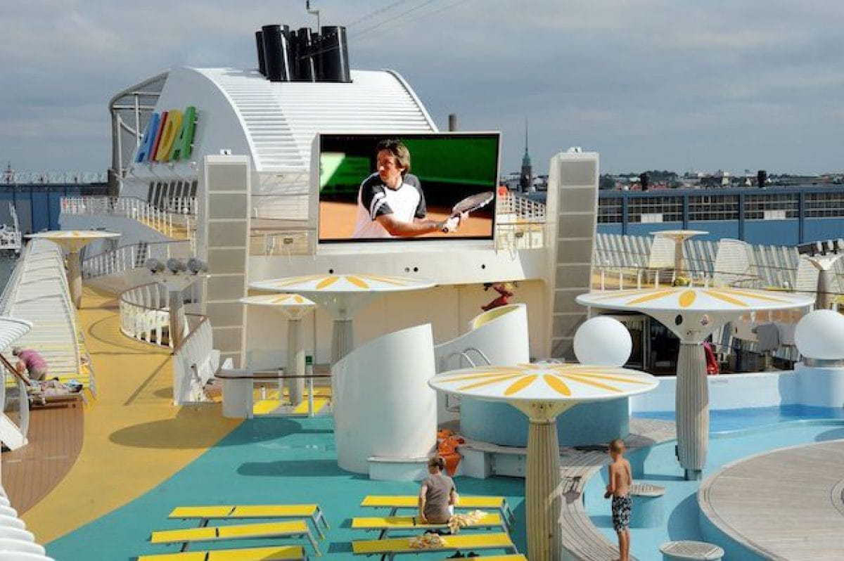 Tennis auf AIDAsol / © AIDA Cruises